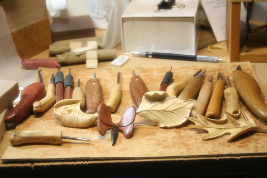 This is where I do most of my carvings. On this site I show some of my work.